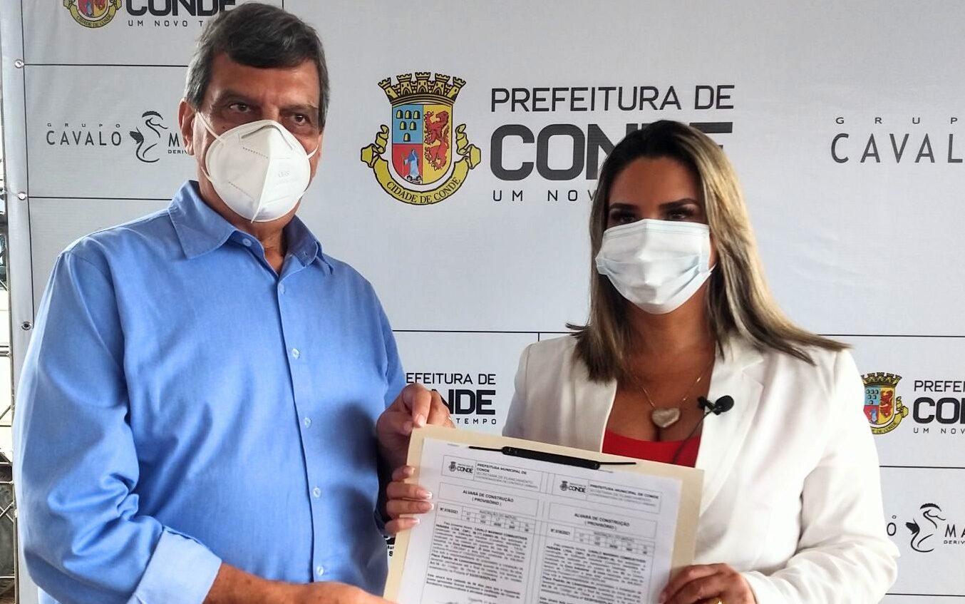 Mais Empregos no Conde: prefeita Karla Pimentel entrega alvará de construção para o Grupo Cavalo Marinho Combustíveis Paraíba Ltda